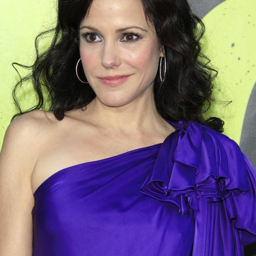 "Mary-Louise Parker / Filmpremiere ""Savages"" Poster"