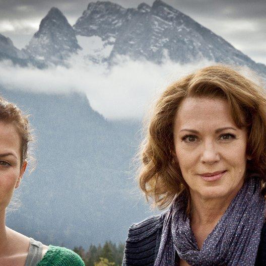 Kronzeugin - Mord in den Bergen, Die (ZDF) / Iris Berben / Melika Foroutan