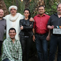 Markus Pauser (e&a Film), Ali Samadi Ahadi (vorn links), Michael Niavarani, Melika Foroutan, Mohammad Farokhmanesh, Frank Geiger (brave new work film productions) v.l.