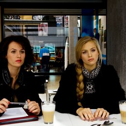 Schief gewickelt (ZDF) / Melika Foroutan / Julie Engelbrecht