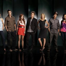 Melrose Place / Katie Cassidy / Colin Egglesfield / Ashlee Simpson / Jessica Lucas / Stephanie Jacobsen / Shaun Sipos / Michael Rady Poster
