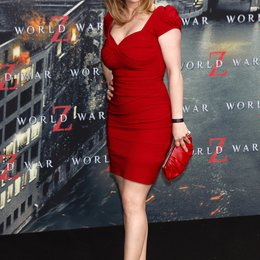 "Michaela Schaffrath / Filmpremiere ""World War Z"" Poster"