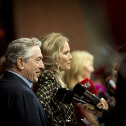 "De Niro, Robert / Pfeiffer, Michelle / Premiere von ""Malavita - The Family"" in Berlin Poster"