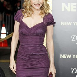 "Michelle Pfeiffer / Filmpremiere ""New Year's Eve"" Poster"