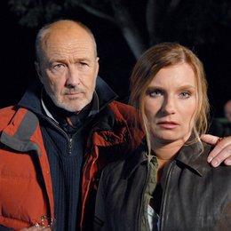 Mord in bester Gesellschaft: Der Tote im Elchwald / Mord in bester Gesellschaft: Der Tote vom Elchwald (ARD / ORF) / Miguel Herz-Kestranek / Lucia Gailová Poster