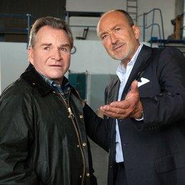 Mord in bester Gesellschaft: Der Tote im Elchwald / Mord in bester Gesellschaft: Der Tote vom Elchwald (ARD / ORF) / Fritz Wepper / Miguel Herz-Kestranek