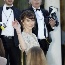 Jovovich, Milla / 20th amfAR Cinema Against AIDS Gala / 66. Internationale Filmfestspiele von Cannes 2013 Poster