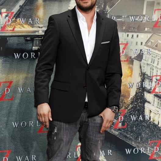 """Moritz Bleibtreu / Filmpremiere """"World War Z"""" Poster"""