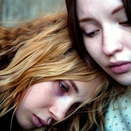 Magic, Magic / Juno Temple / Emily Browning Poster