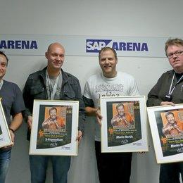 Komiker Mario Barth erhielt Sold-out-Award der SAP Arena / Eckheart Fürkötter, Stefan Schornstein, Mario Barth und Frank Kemper