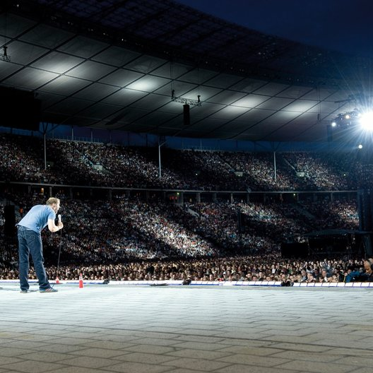Mario Barth, hier bei seinem Weltrekord im ausverkauften Berliner Olypmpiastadium am 12. Juli 2008 vor 70.000 Fans