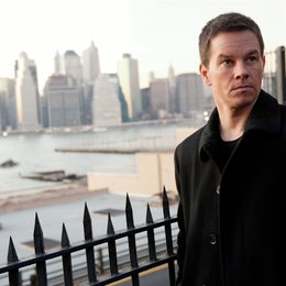 Broken City / Mark Wahlberg Poster