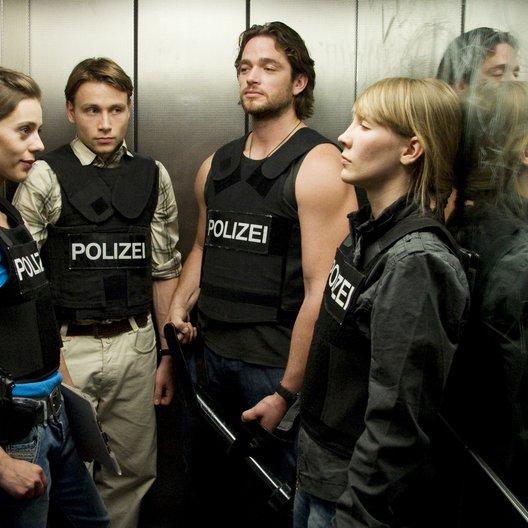 Im Angesicht des Verbrechens (AT) (WDR / NDR / SWR / BR / arte / ORF) / Max Riemelt / Carmen Simone Birk / Klara Manzel / Ronald Zehrfeld Poster