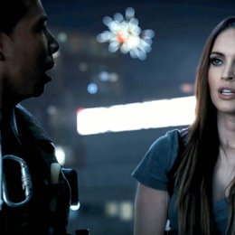 "Werbe-Trailer für ""Call of Duty: Ghosts"" / Epic Night Out Live-Action Trailer / Megan Fox Poster"