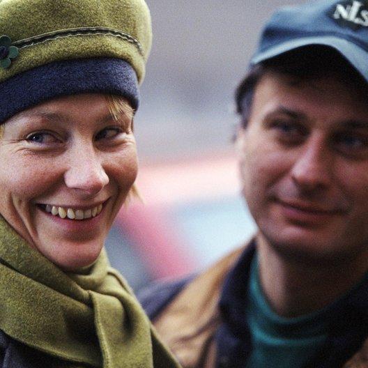 Typ vom Grab nebenan, Der / Elisabeth Carlsson / Michael Nyqvist Poster
