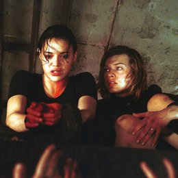 Resident Evil / Michelle Rodriguez / Milla Jovovich Poster