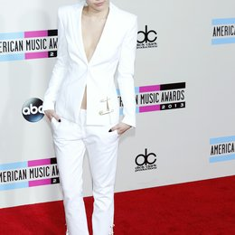 Cyrus, Miley / American Music Awards 2013, Los Angeles Poster