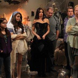 Modern Family - Season 2 Poster