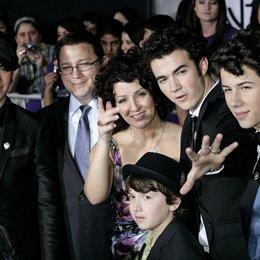Jonas, Joe / Jonas Sr., Paul / Jonas, Denise / Jonas, Frankie / Jonas, Nick / Jonas, Kevin / Jonas Brothers: The 3D-Concert Poster