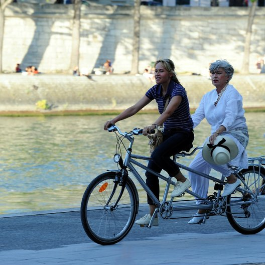 Sommer in Paris, Ein (ZDF) / Anica Dobra / Nicole Heesters