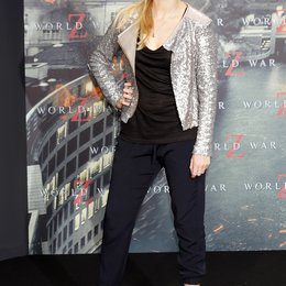 "Nina Eichinger / Filmpremiere ""World War Z"" Poster"