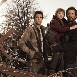 Falling Skies / Noah Wyle / Drew Roy / Maxim Knight Poster
