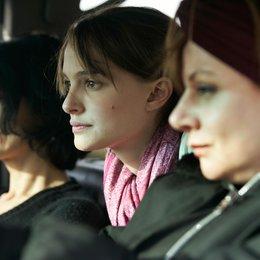 Free Zone / Natalie Portman / Carmen Maura Poster