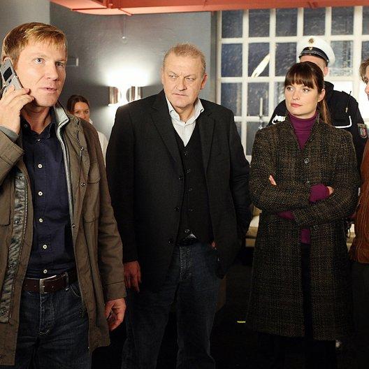 Wilsberg: Oh du tödliche ... (ZDF) / Leonard Lansink / Ina Paule Klink / Oliver Korittke / Roland Jankowsky Poster