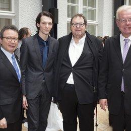Klaus Schaefer, Sabin Tambrea, Ottfried Fischer und Medienminister Thomas Kreuzer Poster