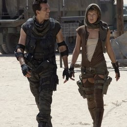 Resident Evil: Extinction / Oded Fehr / Milla Jovovich Poster