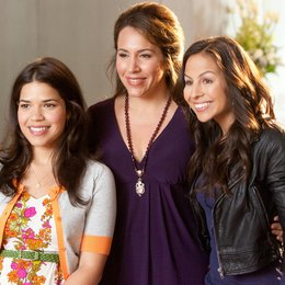 Our Family Wedding / America Ferrera Poster