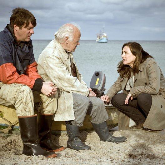 Duo: Der tote Mann und das Meer, Das (ZDF) / Roeland Wiesnekker / Charlotte Schwab / Peter Franke Poster