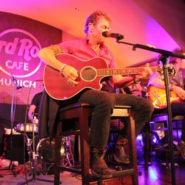 Peter Maffay im Hard Rock Cafe München Poster