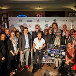 Sony Music vergibt Doppel-Platin an Peter Maffay Poster