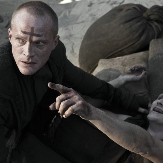 Priest / Paul Bettany