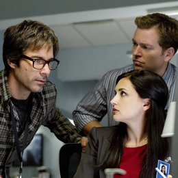 Perception / Eric McCormack / Rachael Leigh Cook / Jamie Bamber Poster
