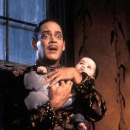 Addams Family in verrückter Tradition, Die / Raul Julia Poster