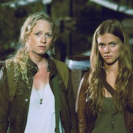 Revolution / Tracy Spiridakos / Anna Lise Phillips Poster