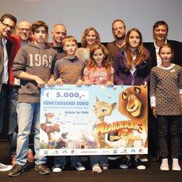 """Charity-Deutschlandpremiere von """"Madagascar 3: Flucht durch Europa"""" im Circus Krone, München / Rick Kavanian, Thomas D, Susanne Pätzold (m.), Smudo, Sven Sturm, Bastian Pastewka Poster"""