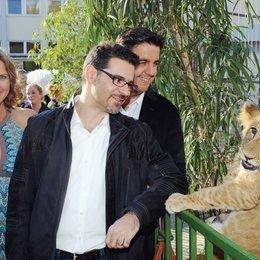 """Charity-Deutschlandpremiere von """"Madagascar 3: Flucht durch Europa"""" im Circus Krone, München / Susanne Pätzold, Rick Kavanian und Bastian Pastewka Poster"""