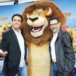 """Charity-Deutschlandpremiere von """"Madagascar 3: Flucht durch Europa"""" im Circus Krone, München / Bastian Pastewka und Rick Kavanian Poster"""