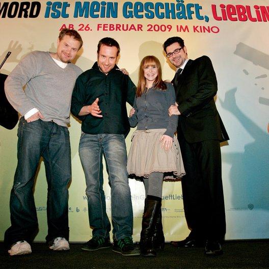 Warner Brothers-Tradeshow auf Münchner Filmwoche / Janek Rieke, Sebastian Niemann, Jasmin Schwiers und Rick Kavanian Poster