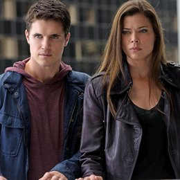Tomorrow People, The / Robbie Amell / Peyton List Poster