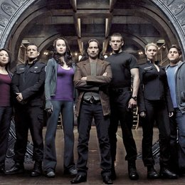 Stargate Universe / Robert Carlyle / Elyse Levesque / Brian J. Smith / Jamil Walker Smith / David Blue / Alaina Huffman Poster