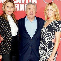 """Deutschlandpremiere von """"Malavita"""" in Berlin / Michelle Pfeiffer, Robert De Niro und Dianna Agron Poster"""