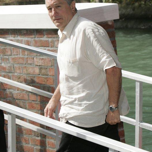 Filmfestspiele Venedig 2004 / Robert De Niro / Große Haie - kleine Fische Poster