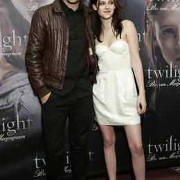 """Pattinson, Robert / Stewart, Kristen / Fan-Event von """"Twilight - Biss zum Morgengrauen"""" in München Poster"""