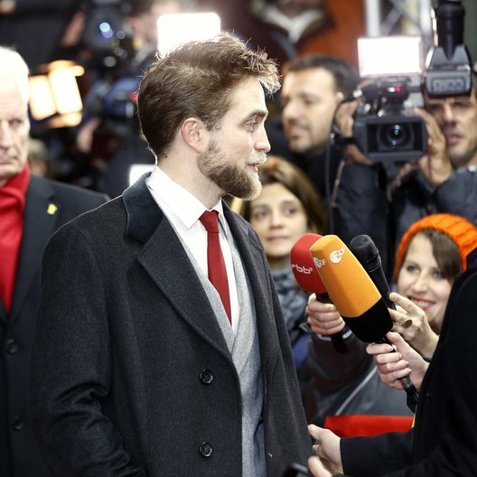 Robert Pattinson / Internationale Filmfestspiele Berlin 2015 / Berlinale 2015 / Interview Poster