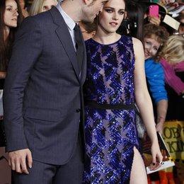 """Robert Pattinson / Kristen Stewart / Filmpremiere """"The Twilight Saga: Breaking Dawn - Teil 1"""" Poster"""