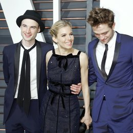 Sturridge, Tom / Miller, Sienna / Pattinson, Robert / Vanity Fair Oscar Party 2015